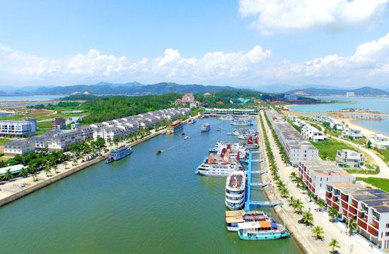 Tuan Chau Island - Paradise Cruises - Destinations